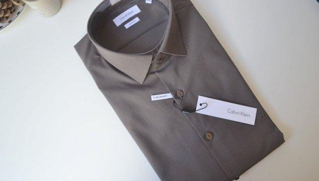 Outfit – Grijze calvin klein overhemd