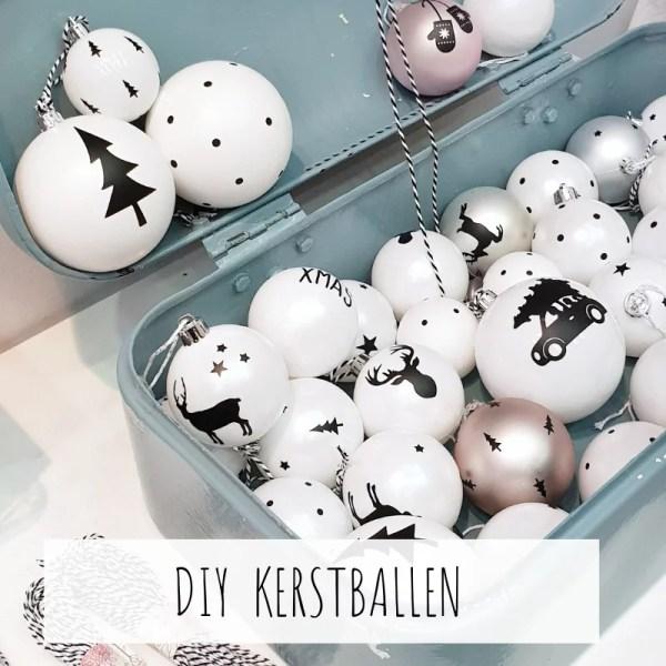 DIY Kerstballen met kerstbalstickers