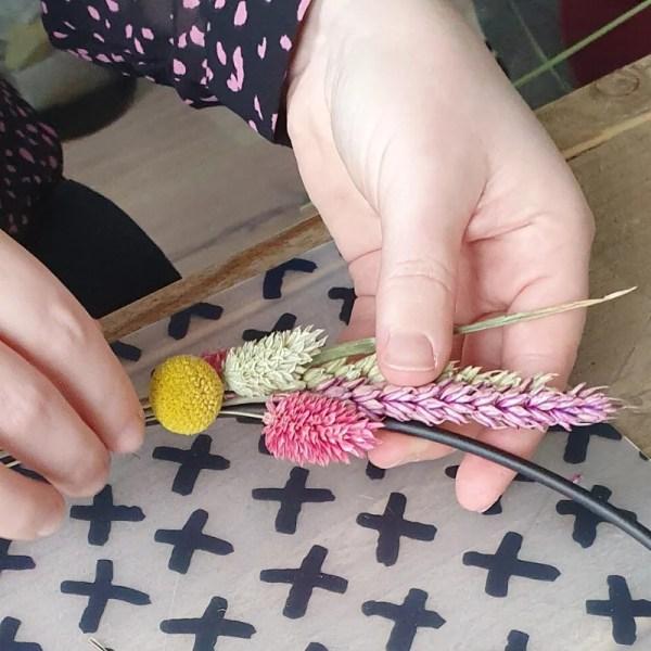 Decoratiering met droogbloemen maken