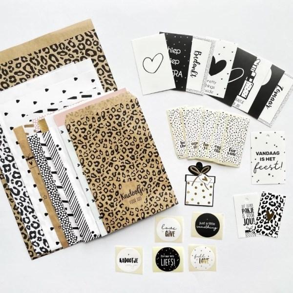 inpakset hippe zakjes en stickers