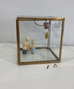 Glazen vitrine bakje, glazen box, vitrine box, peg dolls, houten poppetjes, alternatieve stolp, liefsvanlauren.nl