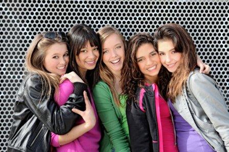 meninas-adolescentes-rindo-materia