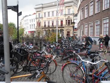fietsen,wandelen,grote stad