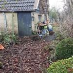 tuinmannen,20-12-15,appelboom,bladblazer,heel veel blad,schoon