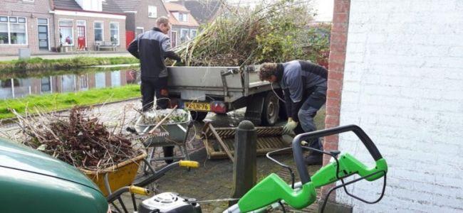 tuin,tuinmannen,Brink Groenvoorziening,grint,groot onderhoud,snoeien,afval,april 2016
