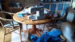 naaimachine,tuinhuis,kou,uitdaging,boekje,gebruiksaanwijzing,naalden,badjas