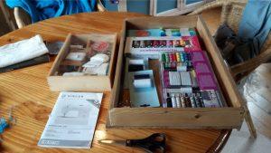naaimachine,tuinhuis,kou,uitdaging,boekje,gebruiksaanwijzing,naalden,spullen
