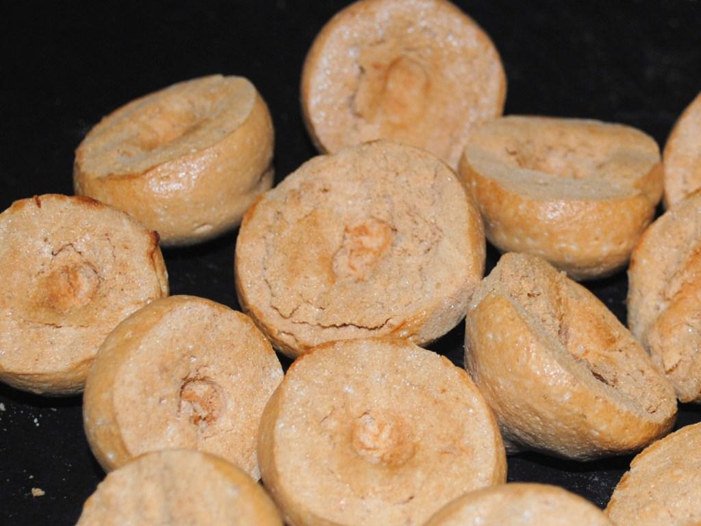 Indent Meringue Mushroom Caps