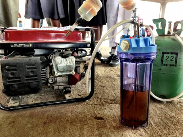 Teenagers Invent Generator That Runs Off Urine