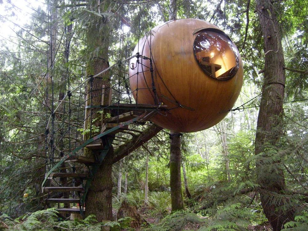 03-Sphere Houses on Vancouver Island