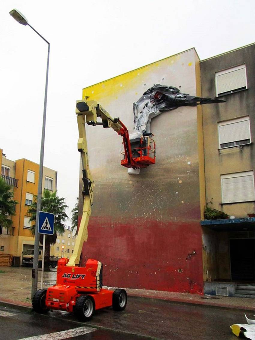03-Bordalo II - Amazing Street Art Murals From Trash
