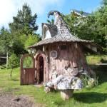 Hobbit House Tree-Stump-3