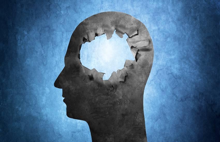 Everyday Habits Damaging Your Brain