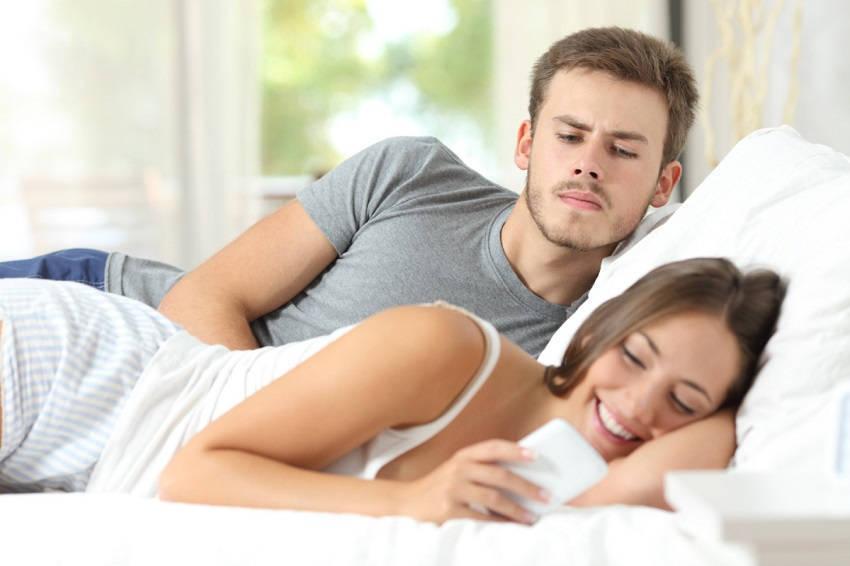 Marriage Social Media Mistakes