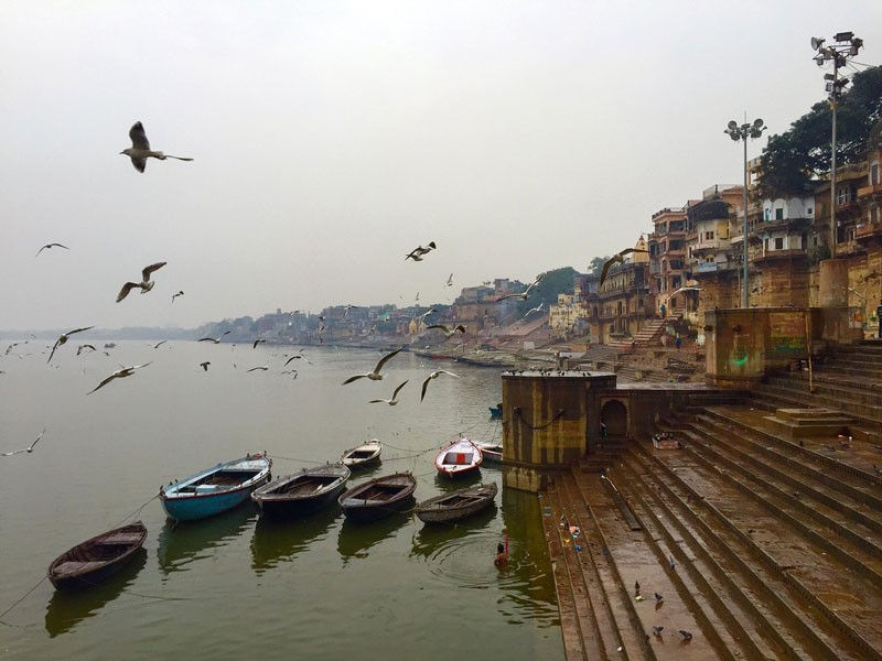 Cities in India - Ganga ghat, Photo by kraigseder