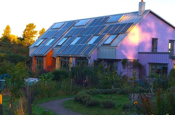 04-Findhorn eco-village, Scotland renewable-energy-systems