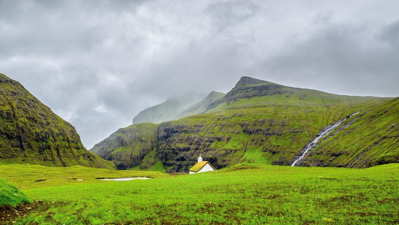 Faroe Islands Villages: Tjørnuvík, Saksun and Kirkjubøur (Day 5)