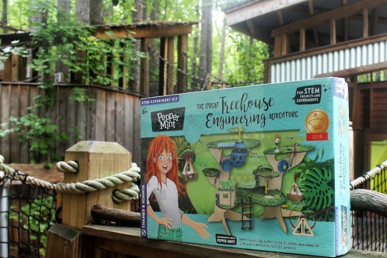 Treehouse building activity set