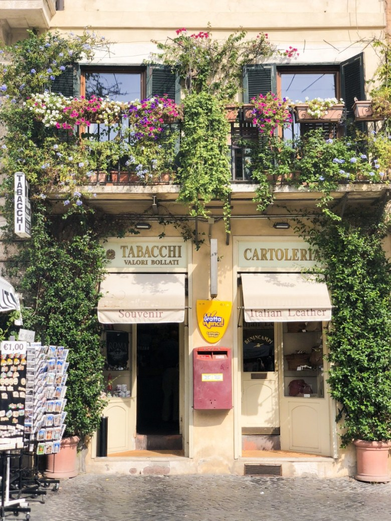 Travel Diary | Tabacchi Shop in Piazza Navona in Rome, Italy