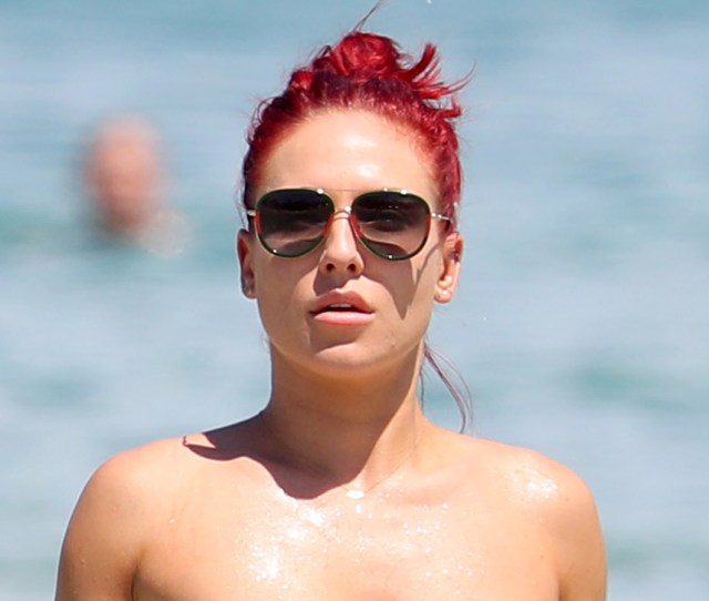 Dancing With The Stars Pro Sharna Burgess Looks Ripped In A Bikini While Hanging Out In Sydney
