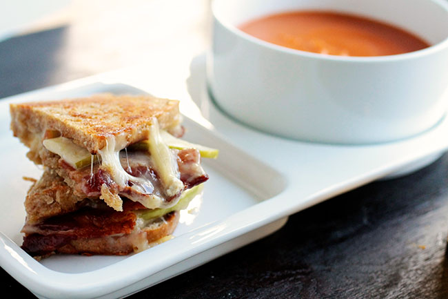 Bacon Brie Apple Grilled Cheese