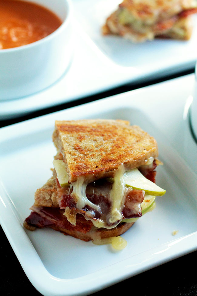 Bacon, Brie & Apple Grilled Cheese