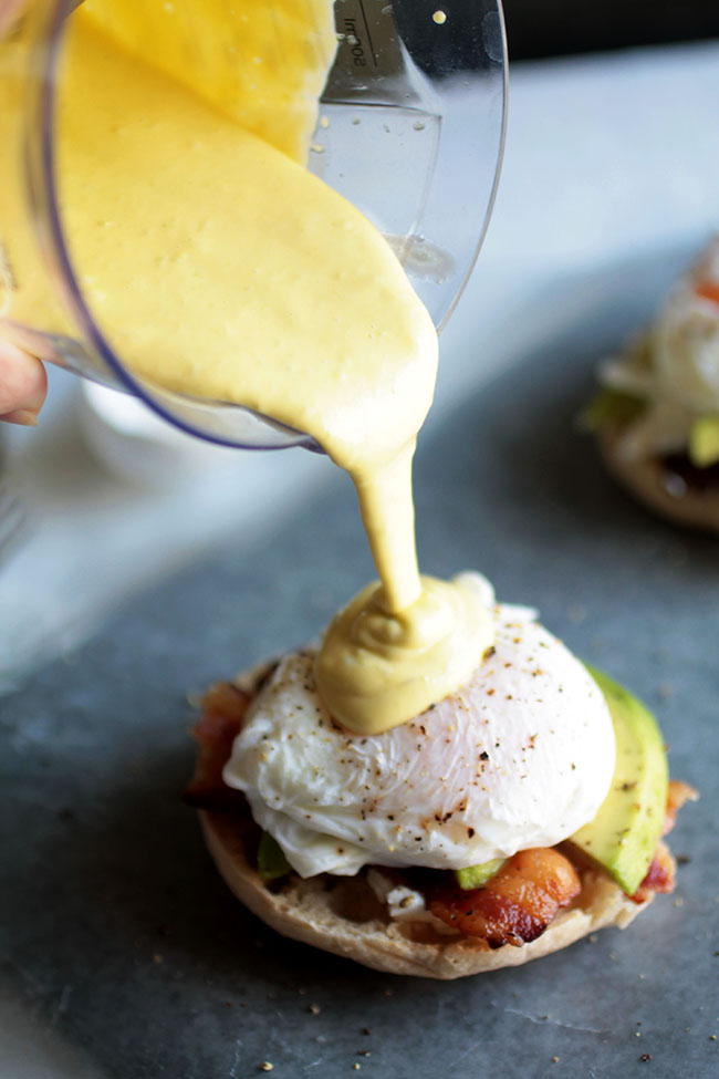 Avocado Eggs Benedict - perfect for summer! A quick eggs benedict recipe with a foolproof immersion blender hollandaise sauce.