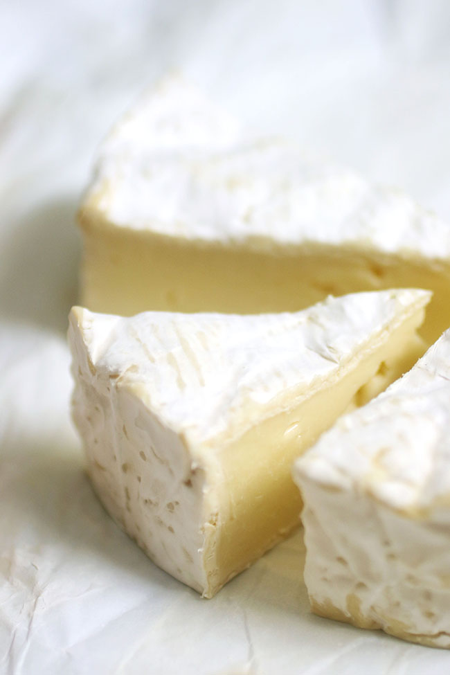 brie cheese for crostini appetizer