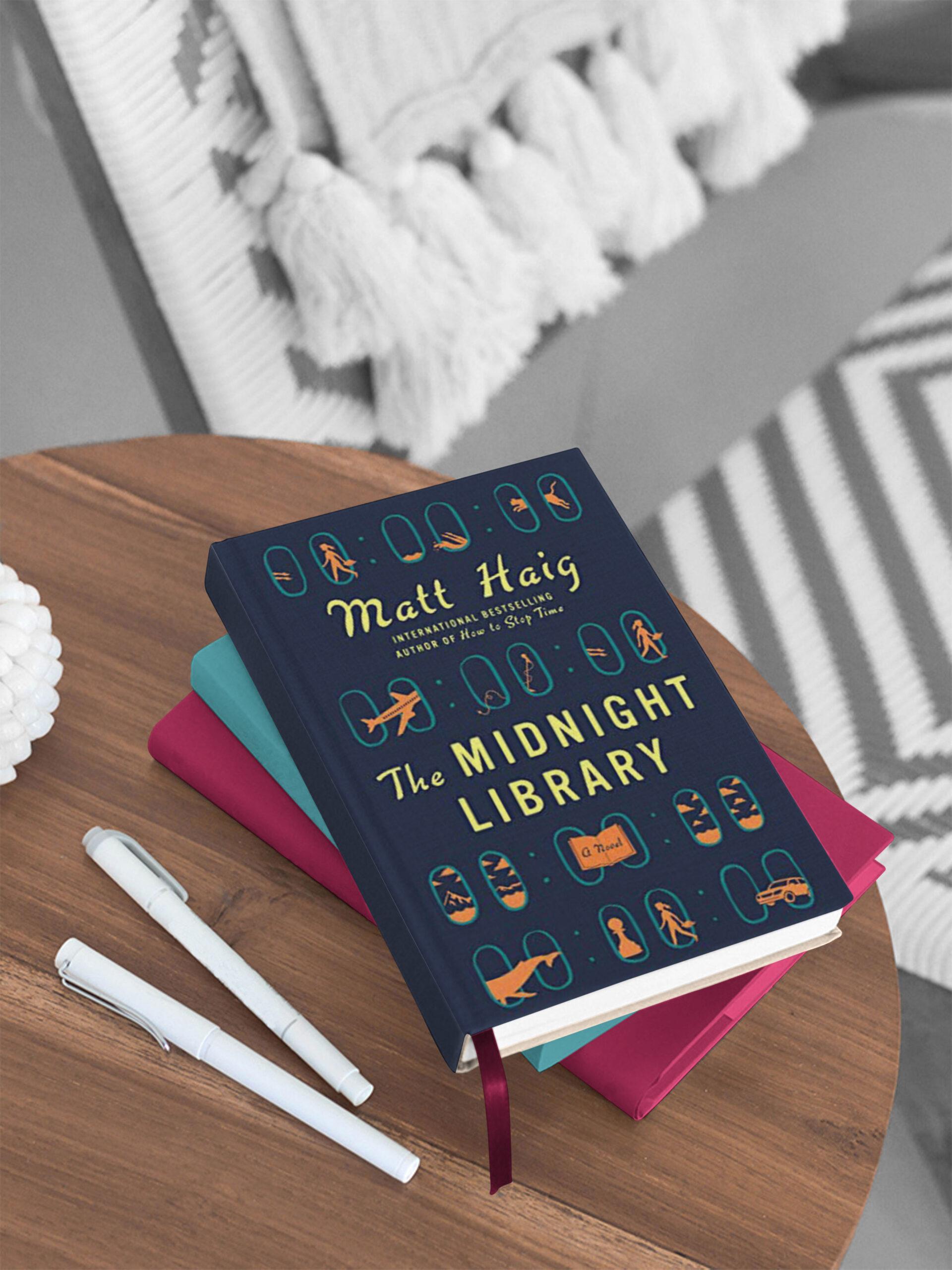 Header_Book_Mockup_MockupForest
