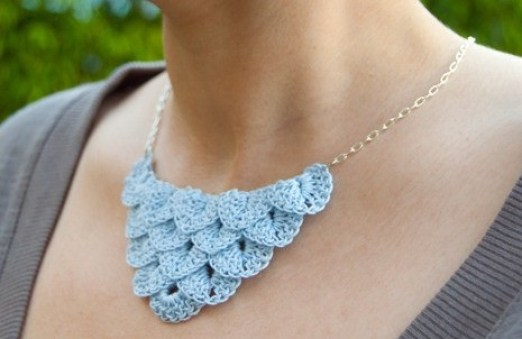 DIY-crochet-necklace