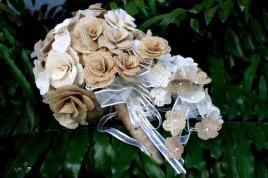 burlap-wedding-flowers