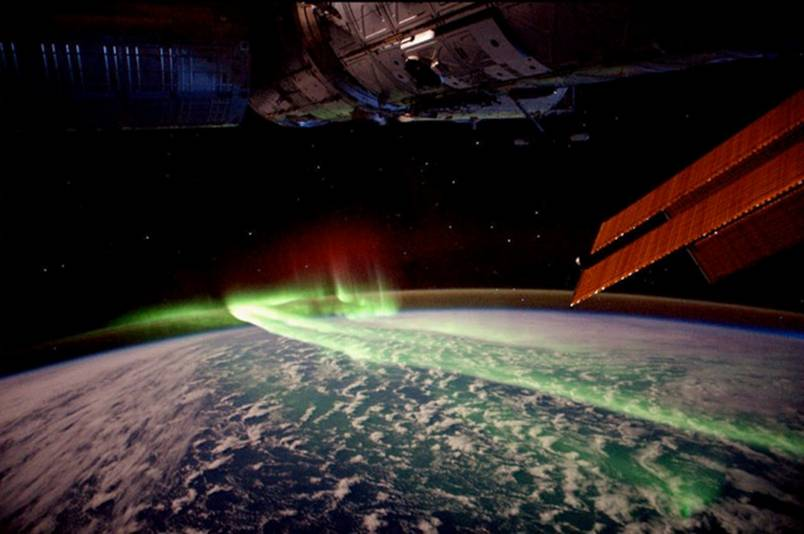 7. The-Northern-Lights-from-Space