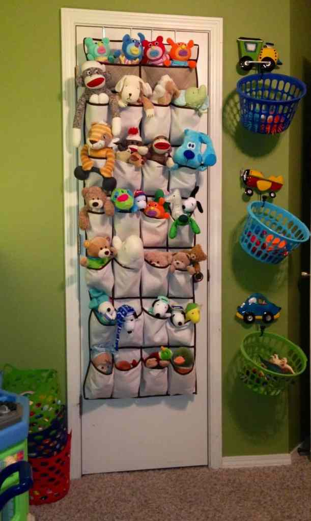 Here are 5 easy ways to store stuffed toys since kids seem to accumulate  tons of