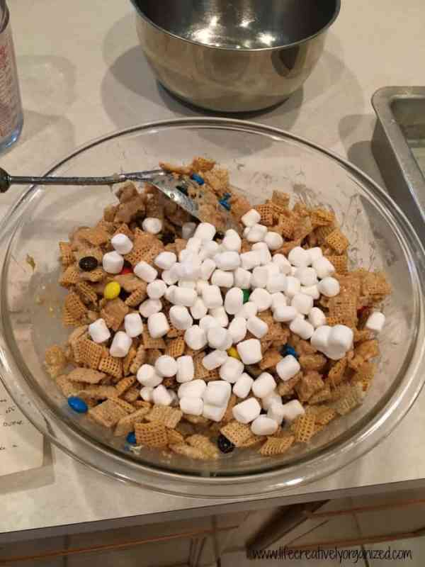 Combine all ingredients for clingons - easy dessert made with cereal.