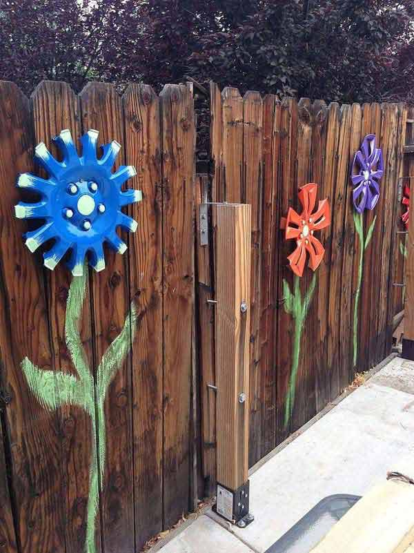 Outdoor decorating - hubcap flowers