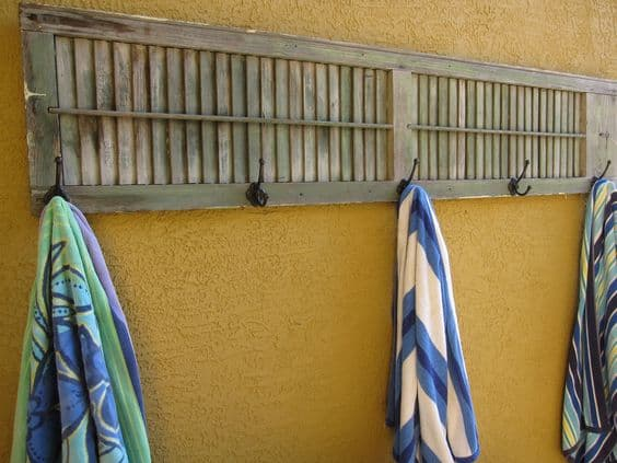 Awesome pool storage ideas - old shutter towel holder