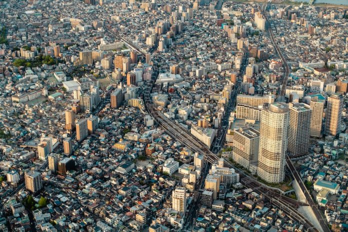 tokyo 2020, sustainable mobility, public transport, trains, rail