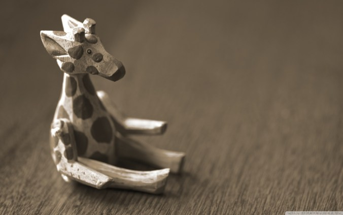 cute_wooden_giraffe-wallpaper-1280x800