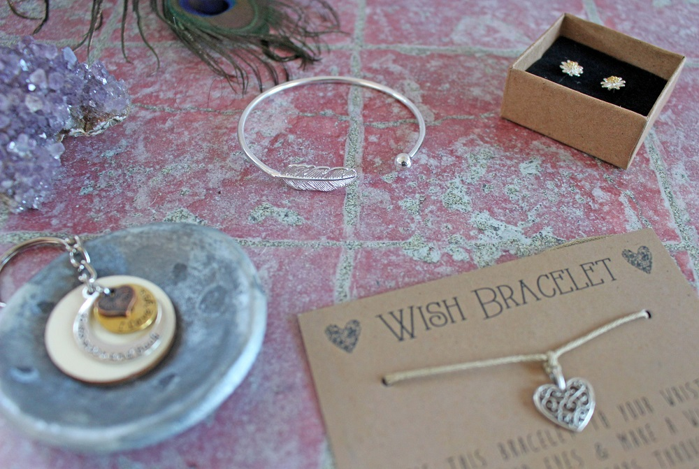 I Love You to the Moon and Back Key Ring Daisy Stud Earrings The Filigree Heart Charm Wish Bracelet Silver Leaf Bangle