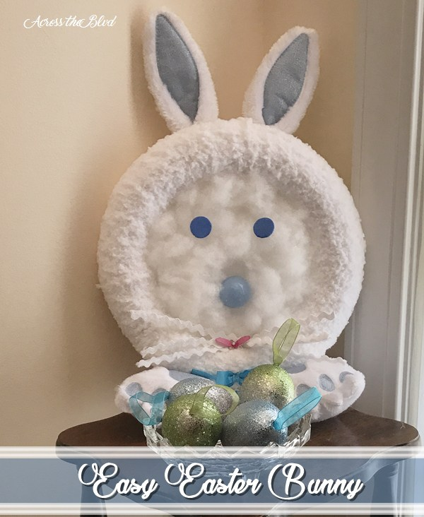 Week 118 Sunday's Best Favorite Theme Post - Easy Bunny Craft from Across the Blvd.