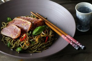 Pesto Spaghetti with Seared Tuna