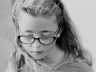 child's reluctance to wear glasses feature