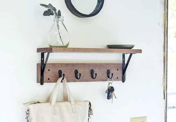 Week 191 - DIY Entryway Shelf from Anika's DIY Life