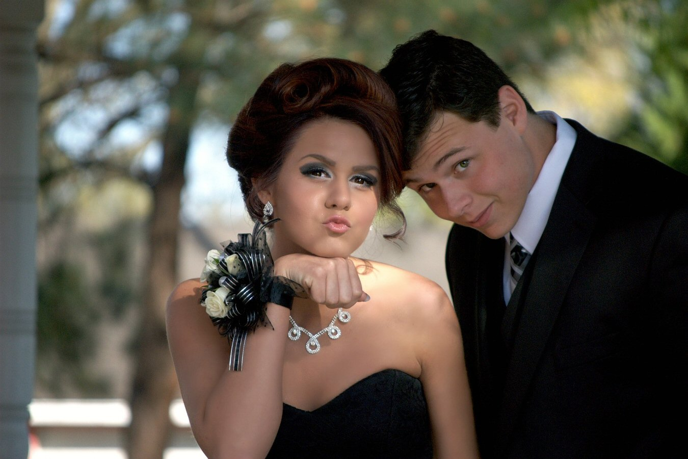 teens ready for prom