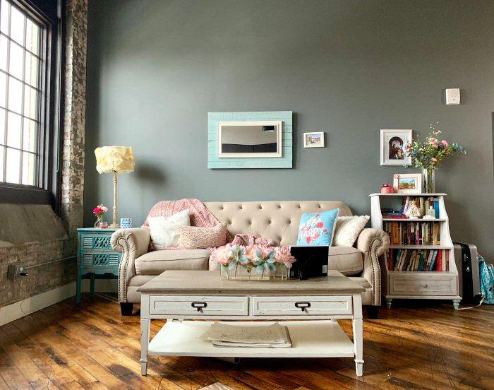 flowers, coffee table, living room