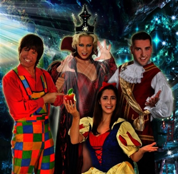 snow white and the seven dwarfs, faye tower, whitley bay, panto, blog guide