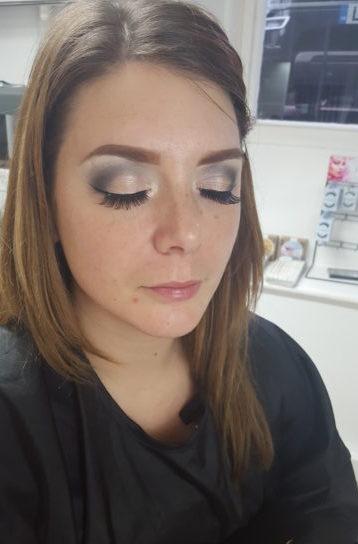 makeover, metallic eyes, natural eyelashes, silver eyeshadow, glam eyes, hd brows, makeup tutorial, freckles, evening makeup