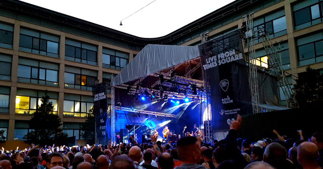 Live From Times Square Newcastle Ocean Colour Scene