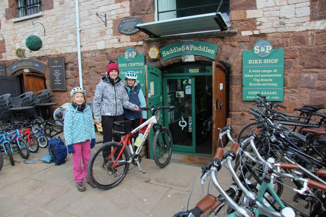 Exeter Saddles Paddles - 1-min
