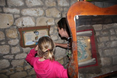 family-adventure- lifeinourvan - chateau engime - 1 (16)